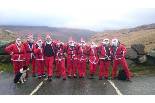 Santas Rock Snowdon - Jlr Team Driving Dynamics